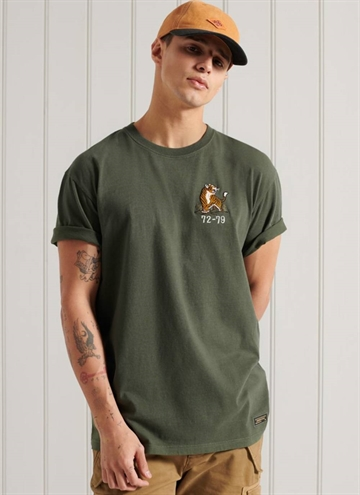 Military Box Fit Graphic T-Shirt fra Superdry i farven Ivy Green